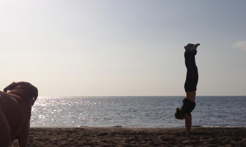 beachhandstand